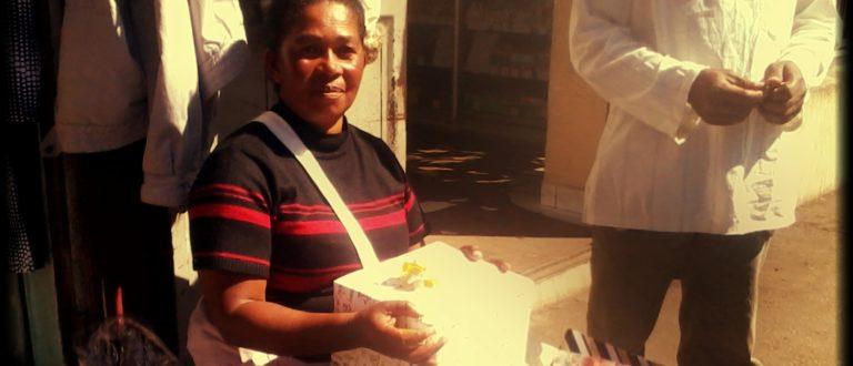 Article : Emballer des cadeaux est un métier à Madagascar